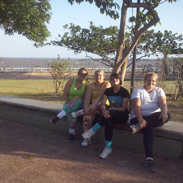 Kylza com as três filhas, Camilli, Carol e Débora