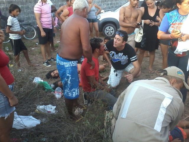 Taxista ficou preso nas ferragens que precisaram ser cortadas pela equipe de resgate