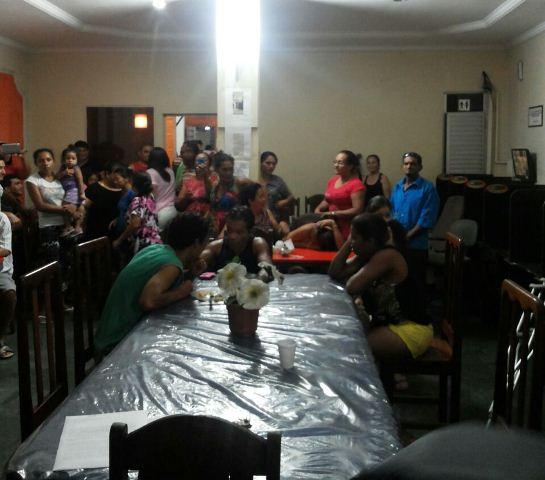 Pacientes debatem situação na casa de apoio: água e luz podem ser cortados a qualquer momento
