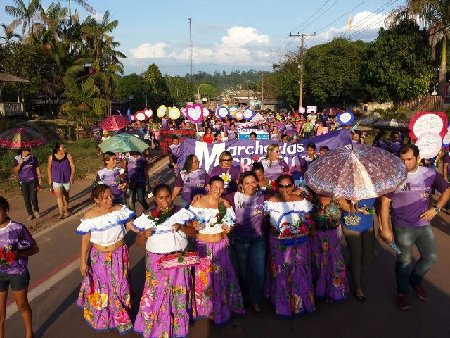 Marcha pelas ruas de Pedra Branca do Amapari. Cristiane foi a primeira mulher assassinado pelo marido no município