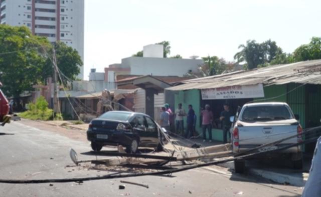 Acidente de trânsito deixa bairros sem energia