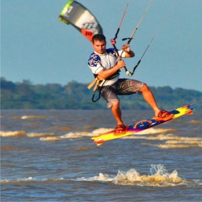 Kitesurfistas terão que atravessar o Rio Amazonas em 45 minutos