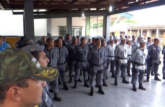 Policiais participam de curso de instrução