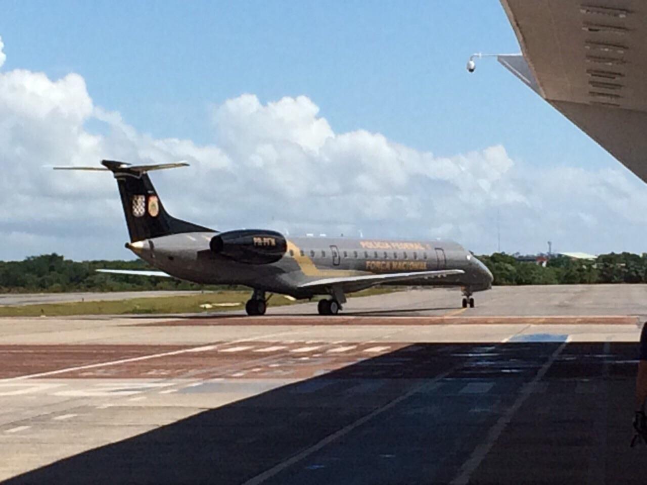 Avião da PF que trouxe  30 policiais para a Operação Limos