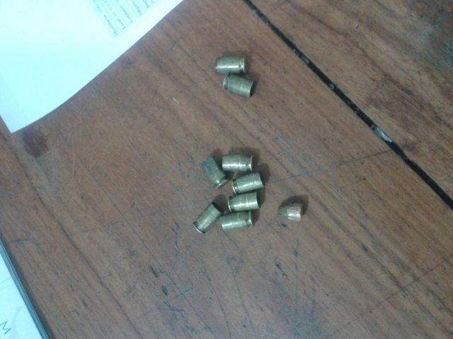 Depois do assalto a polícia encontrou pelo menos nove capsulas deflagradas