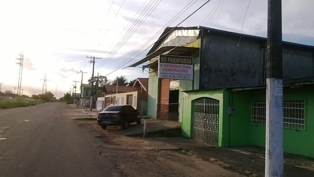 Um dos estabelecimentos comerciais assaltados na Avenida 13 de Setembro
