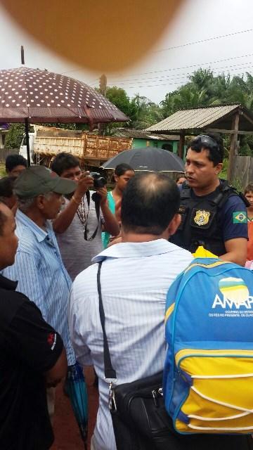 Polícia Rodoviária negocia a liberação da BR