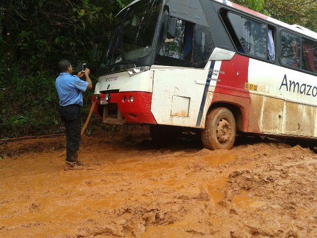 Motoristas e cobradores de ônibus ameaçam parar as viagens