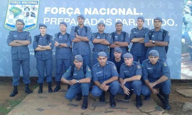 Equipe da Força Nacional: capitã Helen à esquerda