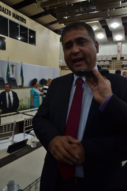 Deputado Moisés Sousa presidiu a cerimônia
