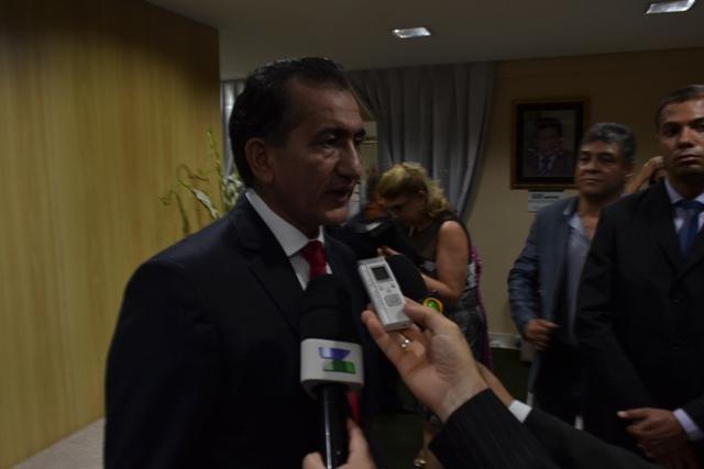 Governador Waldez Góes acompanhou a esposa, deputada Marília Góes