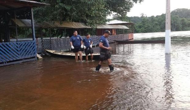 enchente no amapari: Mais de 200 estão desabrigados em Pedra Branca