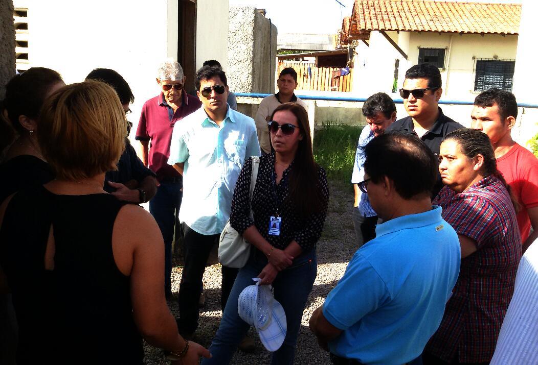 Reunião: técnicos e moradores em busca de solução