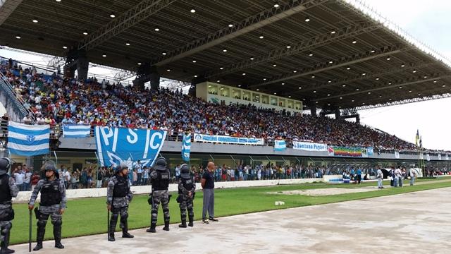 Mais de 10 mil pessoas acompanharam a partida