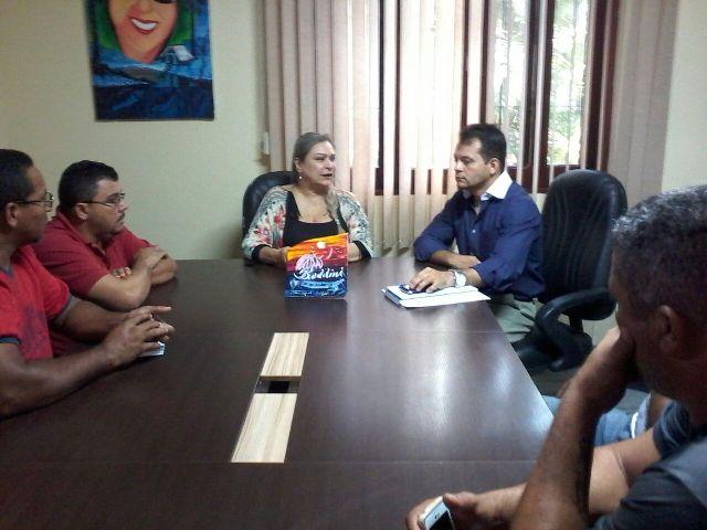 Reunião entre diretores da Ctmac e dirigentes do sindicato dos taxistas