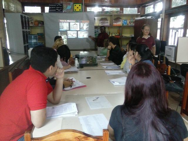 Monitores na última aula do curso ministrado no Museu Sacaca