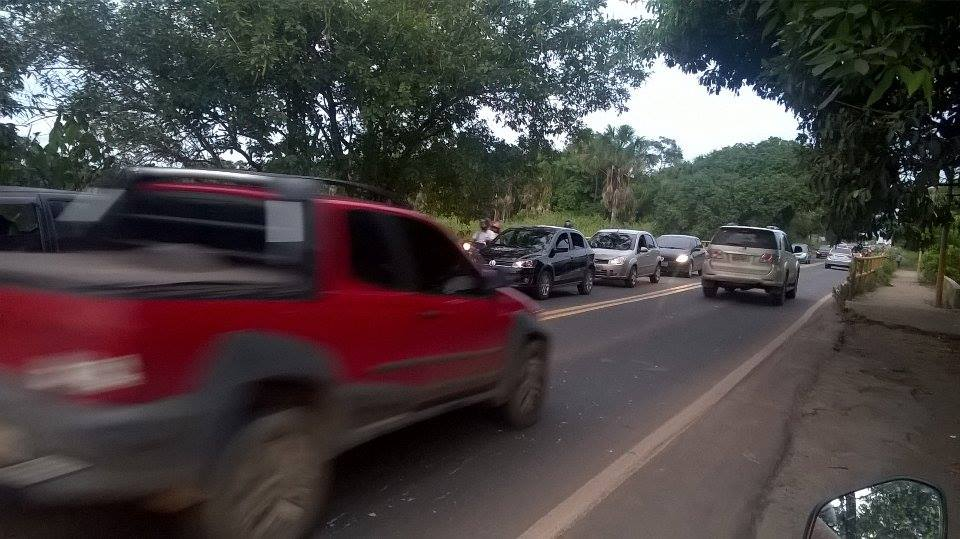 Na Lagoa dos Índios o trânsito afunila e a situação piora