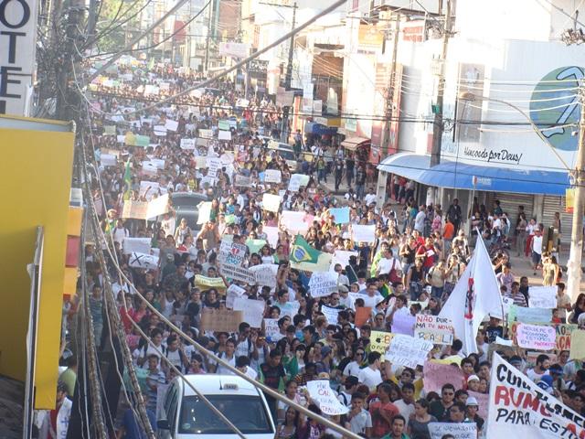 manifestação ocorrida em junho de 2013. Fotos: Cássia Lima