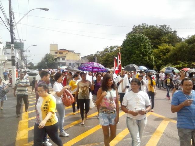 Cerca de 5 mil pessoas participaram da procissão