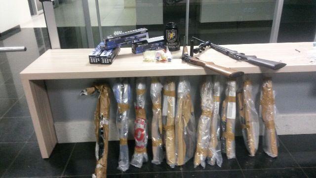 Armas foram encontradas em Santana na segunda-feiras