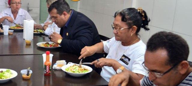 Presidente da comissão almoçou durante dois dias no hospital: comida fria e atrasada