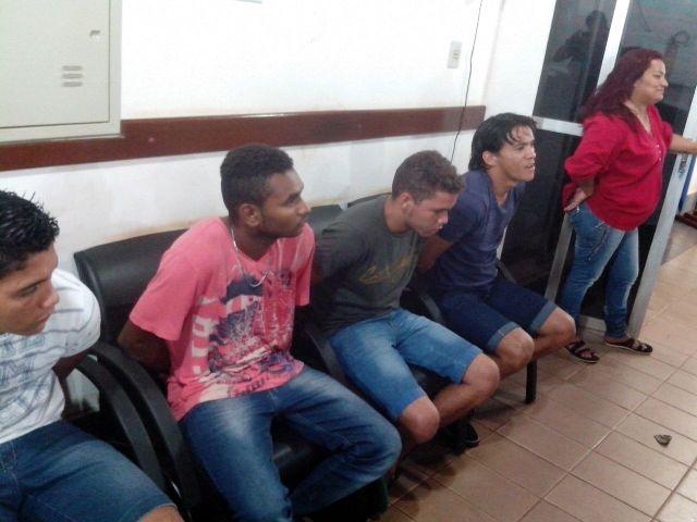 Acusados disseram que receberam o dinheiro de uma mulher em Macapá. Fotos: Ciosp/Oiapoque