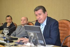Mazureck: Cabe ao Estado fornecer informações