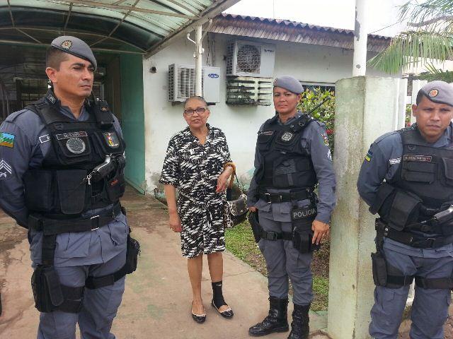 A advogada foi levada por policiais militares para a Delegacia de Mulheres
