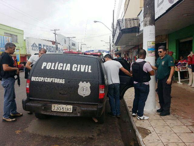 Policiais levaram 14 pessoas para prestarem esclarecimentos