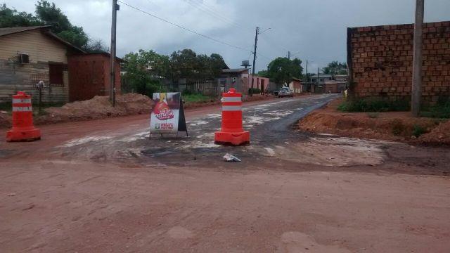 Rua Benedito Rodrigues Ferreira está sendo asfaltada pela PMM