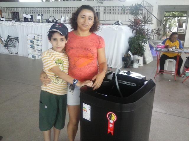 Elizangela levou para casa uma máquina de lavar