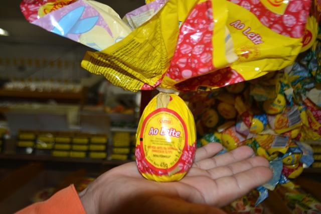 Os menores ovos têm preços convidativos, mas as crianças odeiam