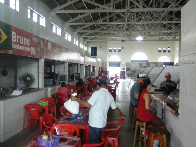 A venda de refeições é a principal atividade no Mercado Central
