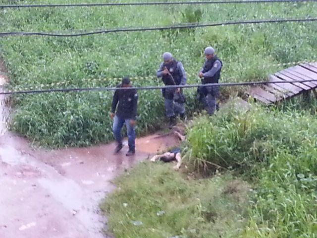 O rapaz tinha marcas de agressão pelo corpo. Fotos e reportagem: Jair Zemberg