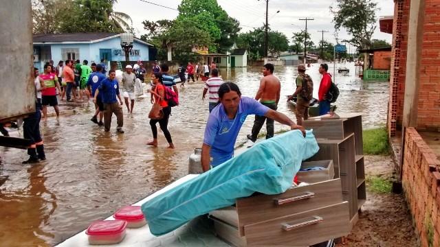 Inundação ocorrida em 2015 causou prejuízos para a população
