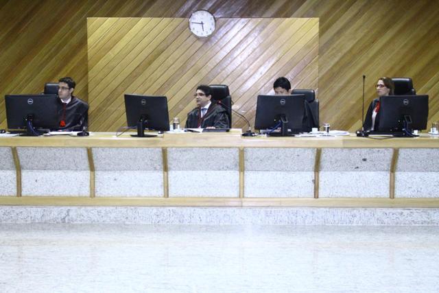 Sessão que decidiu pela manutenção das zonas após a redistribuição de eleitores. Foto: Elton Tavares/Ascom