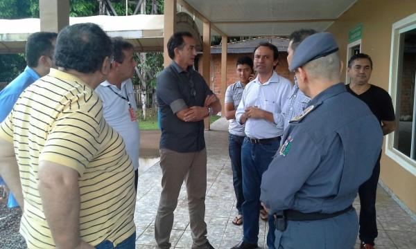 O governador Waldez Goes está em Ferreira Gomes para coordenar as ações
