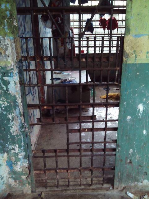 A segunda cela também foi serrada. Fotos cedidas por funcionários