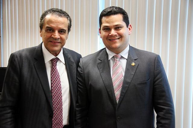 Senador Davi com o novo ministro do Turismo: visita ao AP para tratar do centro de convenções
