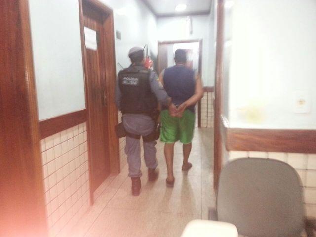 Suspeito foi conduzido pela PM até o Ciosp do Pacoval. O celular do menino estava com ele
