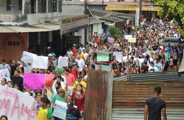 O protesto reuniu mais de 2 mil pessoas, segundo a PM. Fotos: