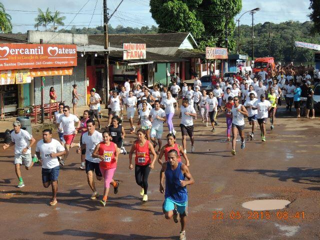 Maratona atraiu dezenas de corredores no aniversário da cidade. Fotos: Olavo Batista