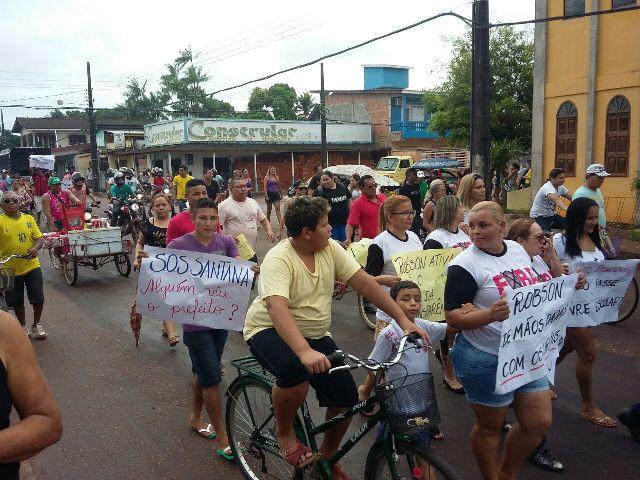 Segundo os organizadores, mais de 500 pessoas  se juntaram à manifestação