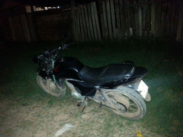 A moto usada pelos assaltantes que já tinham feito dois roubos na noite
