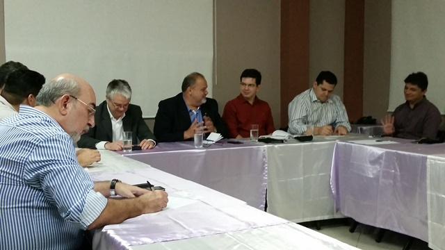 Os executivos também explicaram o projeto para  representantes da bancada federal