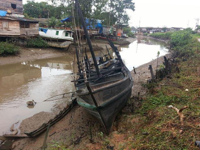 Barco seguia para o município de Afuá. Fotos e reportagem: Jair Zemberg