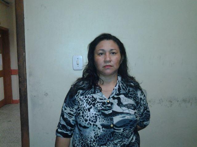 Edna, a irmã que cria a filha de Marinéia: ela tem jeito