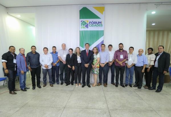 O evento reuniu os 16 prefeitos, incluindo Miguel do Posto que fez um desabafo. Fotos: Marcelo Loureiro/Agência Amapá