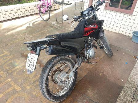 Moto usada no assalto. Fotos: Jair Zemberg