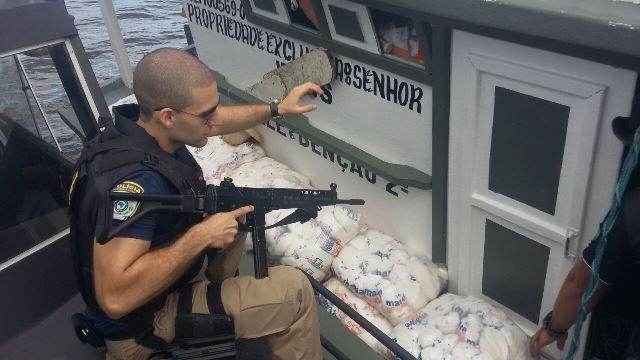 Policiais rodoviários ajudaram na operação. Fotos: Polícia Civil